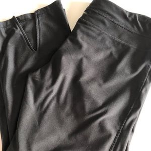 Nearly New Calvin Klein Loose Fit Yoga Pants, Crop